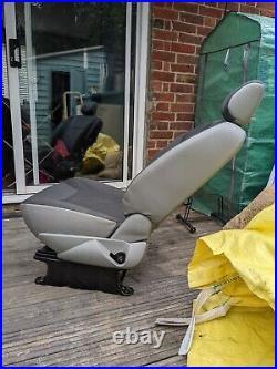 Renault Trafic Vauxhall Vivaro Single Passenger Seat Camper Conversion