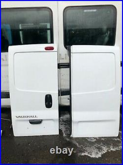 White rear doors vauxhall vivaro renault trafic traffic 01 to 14 van pair os ns